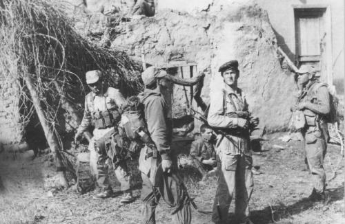 soldats soviétiques Tumblr_m4ywfnPlke1qbsnsoo1_500