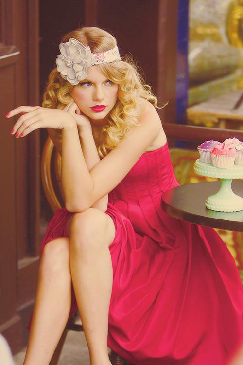 Taylor Swift - Page 39 Tumblr_m54q5jB7vJ1rv712zo2_500