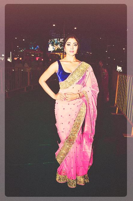 Shriya Saran - Stránka 4 Tumblr_m5ap0vbXxC1r1m0bxo3_500