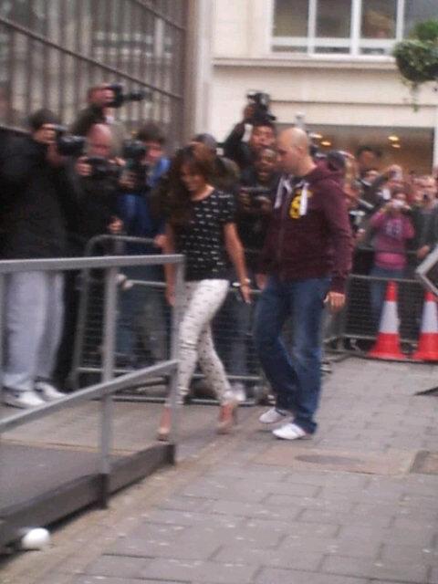 Cheryl Cole[2] - Page 6 Tumblr_m5igxnCeAd1rsfy82o1_500