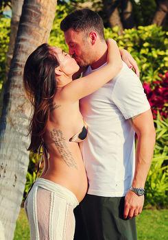 Megan Fox - Страница 8 Tumblr_m66s82TgET1qcxvrao4_250