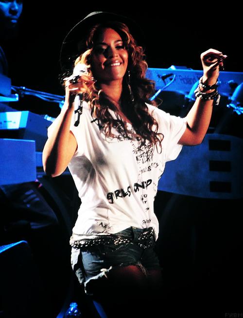 Beyonce[2] - Page 38 Tumblr_m6e811l0Xc1r7qp5so1_500