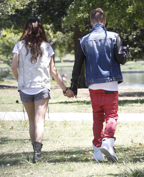Justin Bieber and Selena Gomez - Page 38 Tumblr_m6g8lzySno1qa6i1co1_500