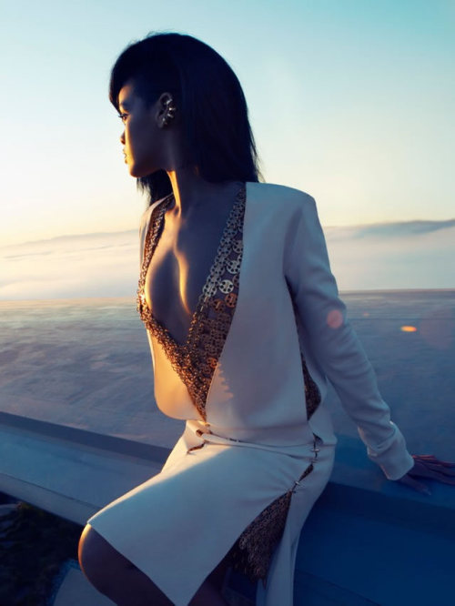 Rihanna .  - Page 37 Tumblr_m743xcda9m1r1fseqo1_500