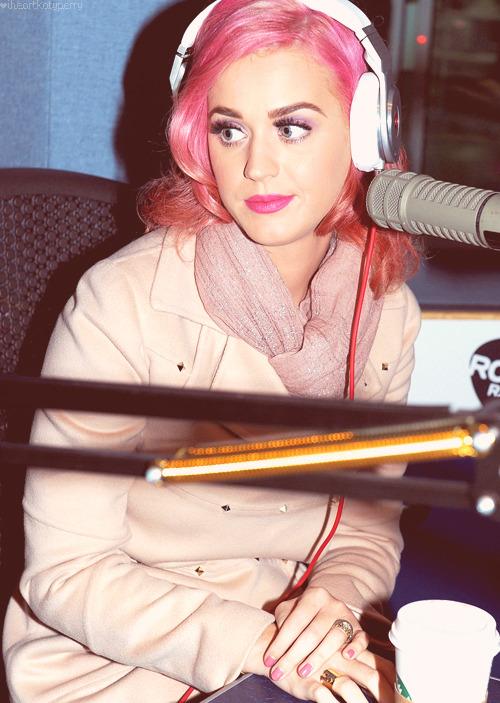 Katy Perry - Page 38 Tumblr_m7fkwr9hgW1qzbagvo1_500