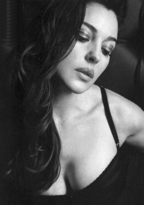 Monica Belucci  - Page 2 Tumblr_m7xa7mjeGX1rqh5gio1_500