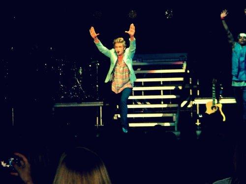Cody Simpson.[2] - Page 38 Tumblr_m7xp022ZlG1qevprpo1_500