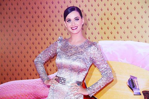 Katy Perry - Page 39 Tumblr_m7zzroXBty1qeu2t7o1_500