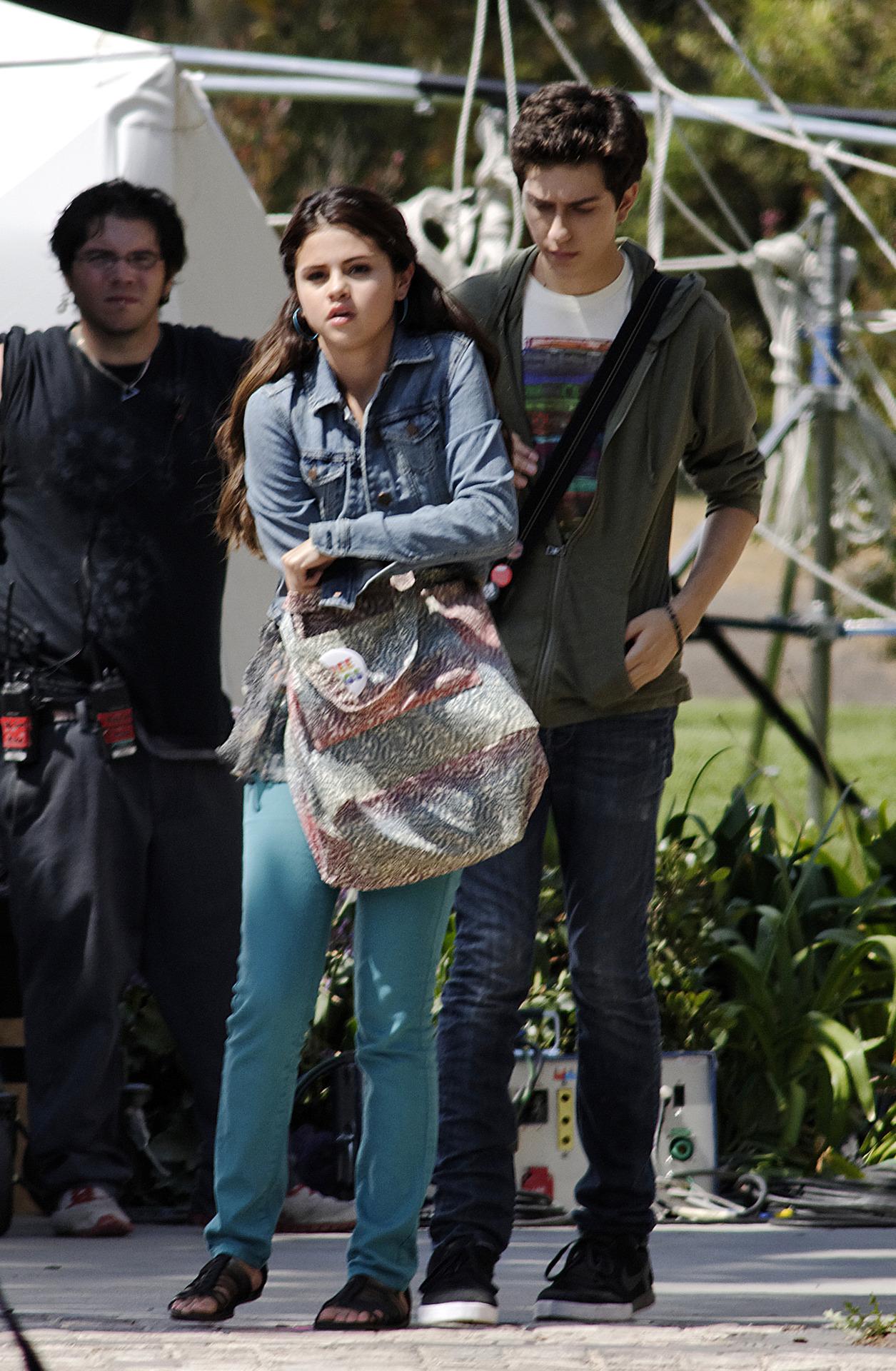 Selena Gomez[5] - Page 2 Tumblr_m88gz7rjAJ1rq31q9o2_1280