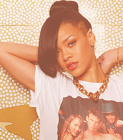 Rihanna. [2] Tumblr_m89b2qnFAY1qzclrjo1_250