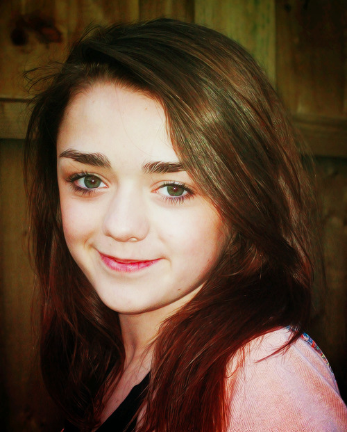 Maisie Williams (Arya Stark) Tumblr_m9wg94xTSv1r0eqiko1_500