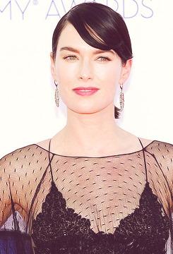 Emmy Awards Tumblr_matwlvCuV91rv8oyzo2_250