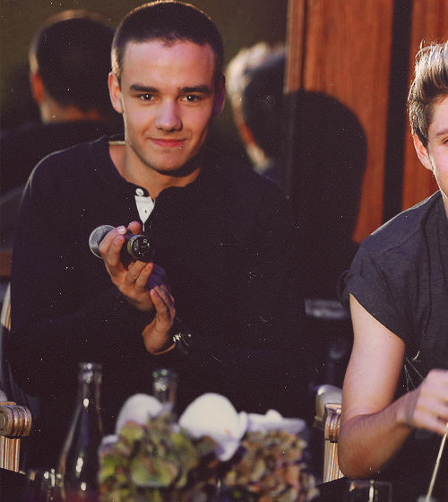 One Direction[2] - Page 40 Tumblr_mbsyytHxvy1rx424vo1_500