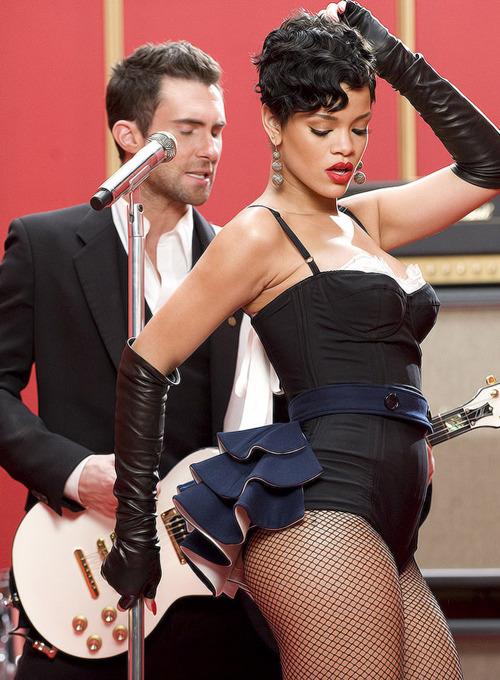 Rihanna. [2] - Page 2 Tumblr_mcguhurLNM1qder2jo1_500