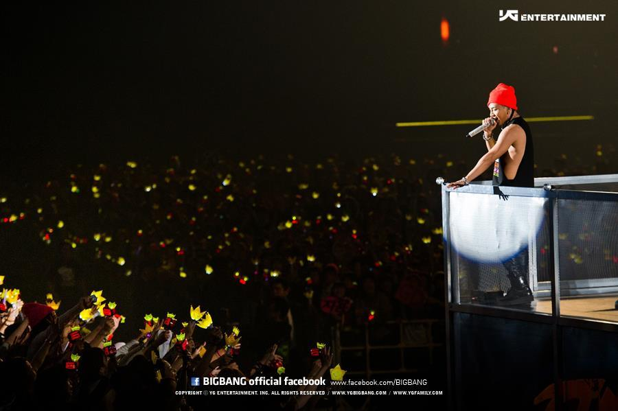 [Pics] Fotos oficiales del Alive Tour 2012 - Special Final In Dome (Osaka, Japón)~  Tumblr_me2xazZLC71rt0v7do3_1280
