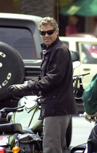 George Clooney George Clooney George Clooney! Tumblr_msfkxpWcWD1sblz9yo2_400