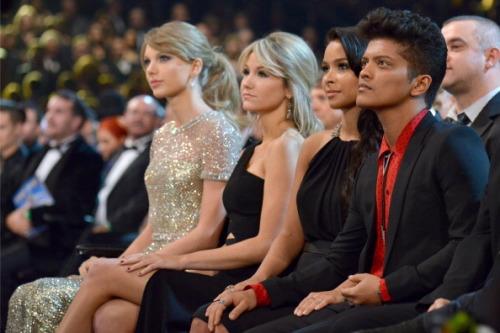 Grammy Awards 2014 [26/01/14] >> 5 nominaciones - Página 2 Tumblr_n01rlhFlAq1rgu4kio1_500