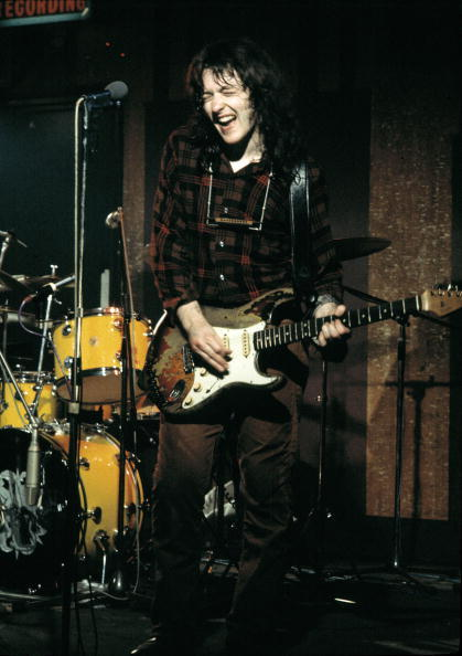 Fender Stratocaster 1961 - Page 11 Tumblr_mukqi1SApi1qcy1b5o1_500