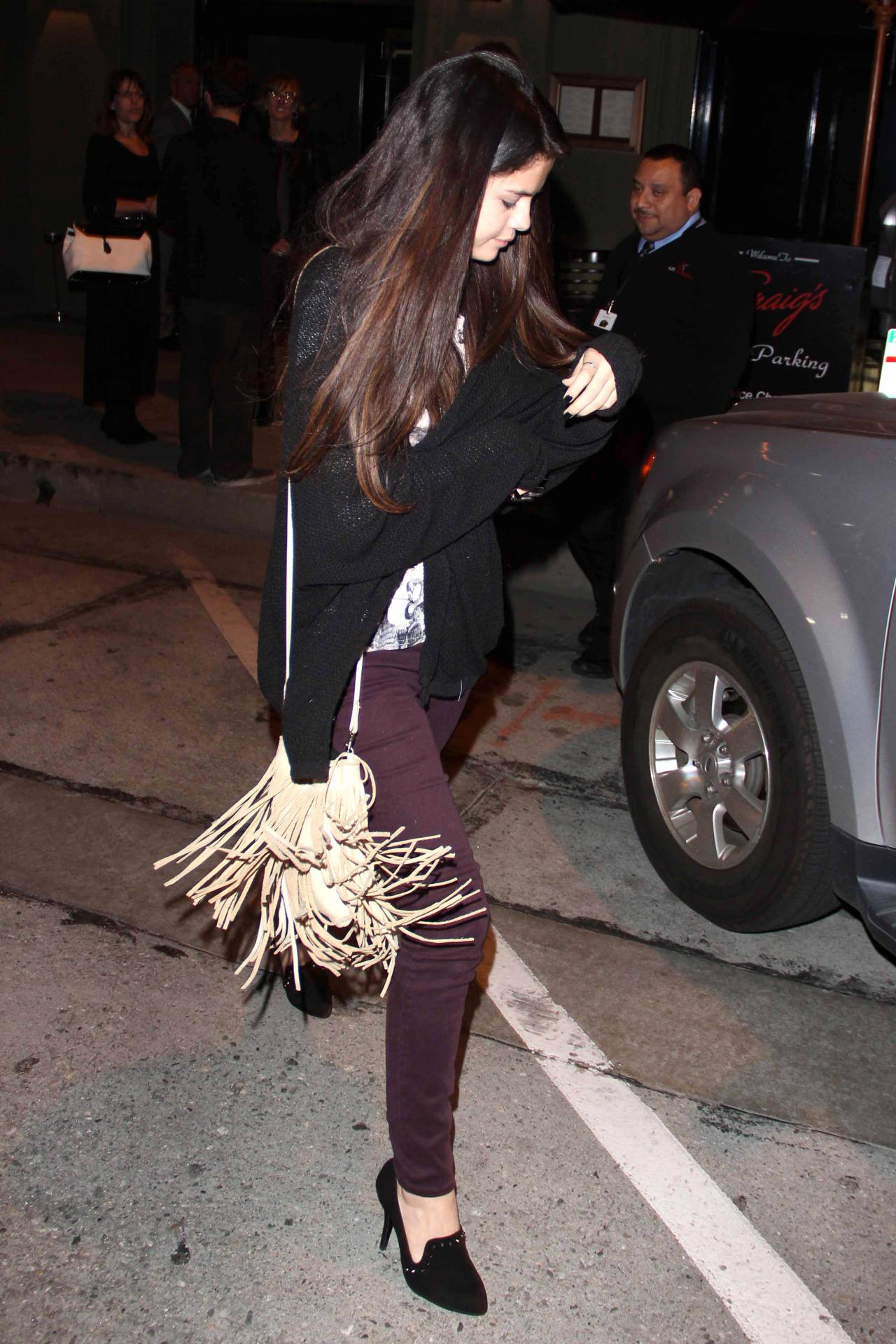 Selena Gomez[6] - Page 6 Tumblr_mixee4n9Ju1rq31q9o3_1280