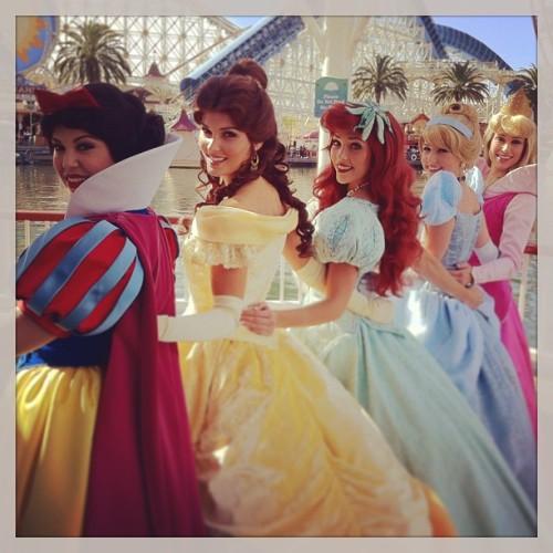 Nouvelles robes pour les princesses? - Page 2 Tumblr_mhnt6jyQHH1rldf1yo1_500