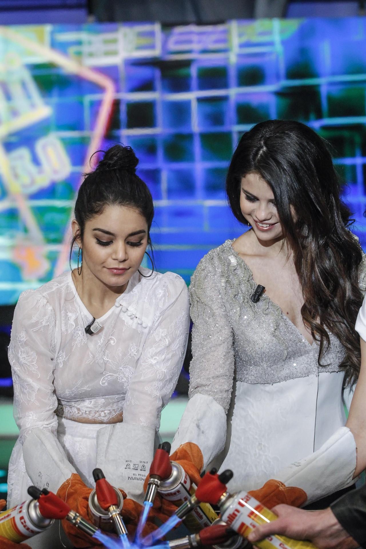 Selena Gomez[6] - Page 5 Tumblr_miyd2c3W2R1rq31q9o9_1280