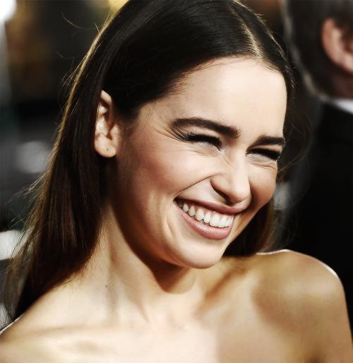 Emilia Clarke (Daenerys Targaryen) Tumblr_mjwadhbI4j1r93oioo1_500