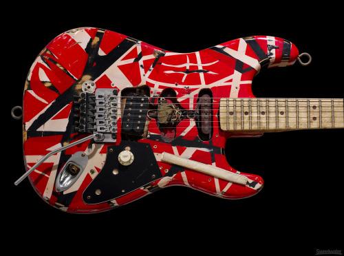 Les plus belles guitares Tumblr_mhve6xTsIR1rn1ezwo1_500