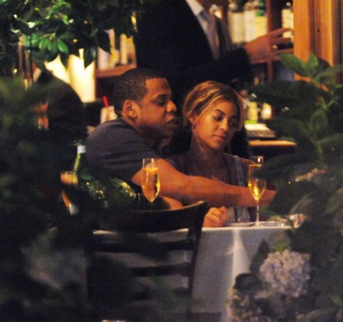 Beyonce and Jay Z Tumblr_mf5fjp0sAa1r82gh0o1_500