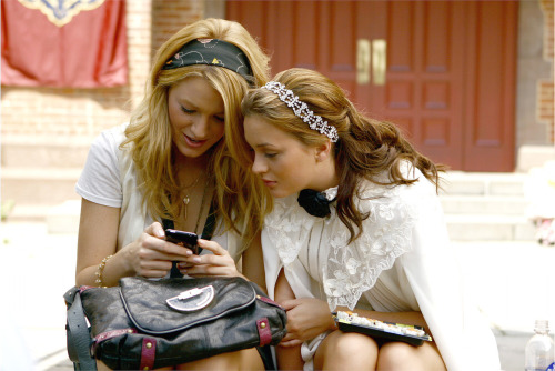 Blake Lively and Leighton Meester - Page 4 KUyWv4Tgpotbj0j9I6aFNBW5o1_500