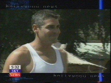 George Clooney George Clooney George Clooney! Tumblr_mq1v7bBnvv1sovr1lo2_400