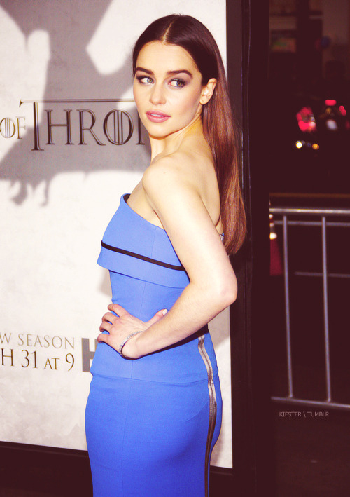 Emilia Clarke (Daenerys Targaryen) Tumblr_mjwmsvfWzy1rjak1ro1_500