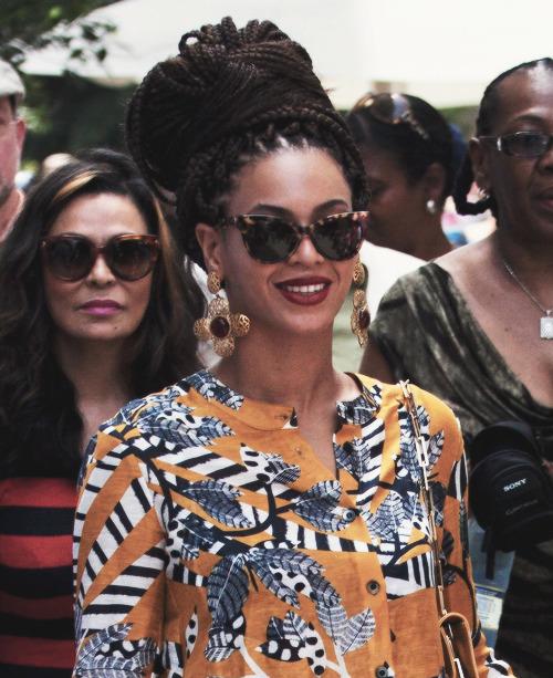 Beyoncé > Apariciones en público <Candids> [III] Tumblr_mku92ye1mP1qimturo1_500