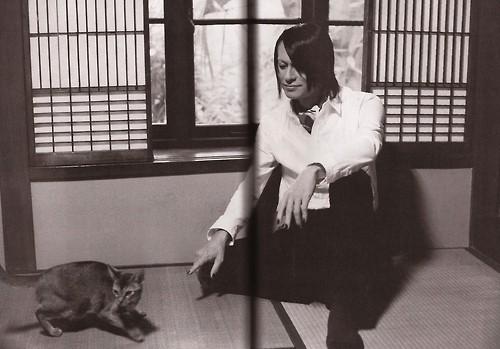 Atsushi & cats Tumblr_meq230CB4j1rshtngo1_500