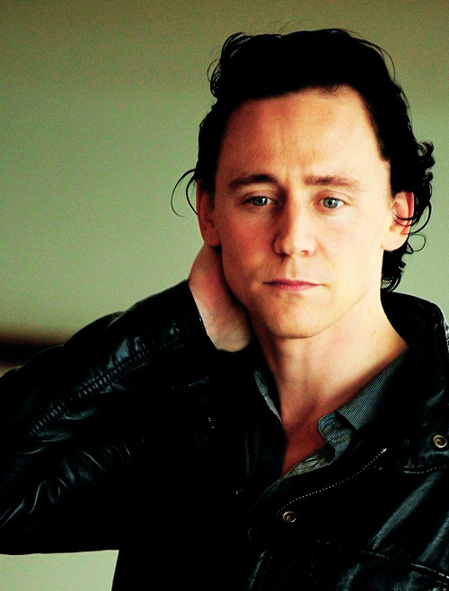 Kedvenc képeink Tom Hiddlestonról Tumblr_mvek8gwFGd1r0xw5zo1_500