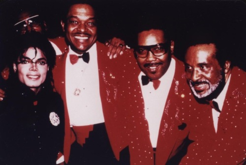 Michael Jackson Com Famosos Tumblr_min6swUn3c1rmdcxmo1_500