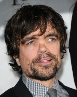 Peter Dinklage (Tyrion Lannister) Tumblr_mjwjc7H0Zh1s43oaco2_250