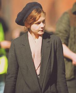 Suffragette, le film (2015) Tumblr_n2eh6ilOIU1sokq3co2_250