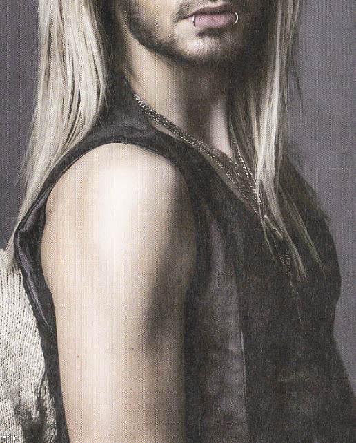 Bill Kaulitz - Lindo, Gostoso e Sexy [Uma Das Fotos Mais Maravilhosas Do Nosso Amado Príncipe] Tumblr_mv12voWcSM1qcf3bro2_1280