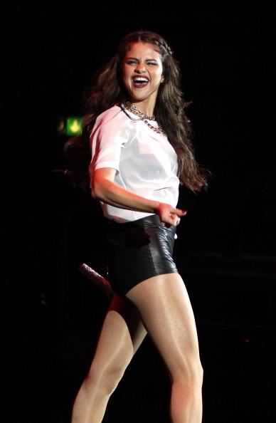 Selena Gomez[6] - Page 40 Tumblr_msswy9DWG31r81g3ao3_400