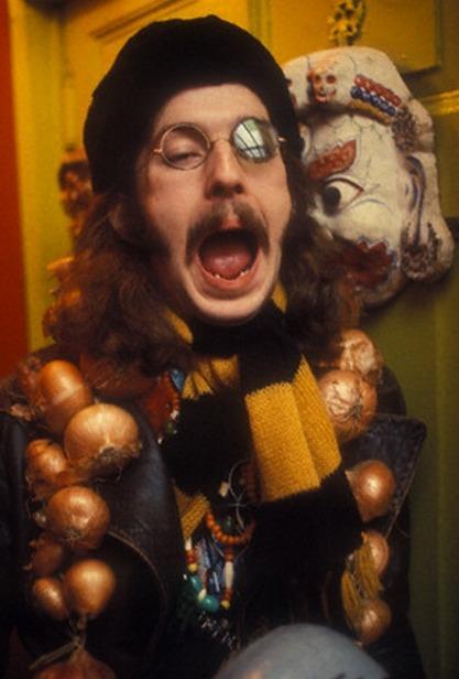 Les 1000 visages d'Eric Clapton - Page 2 Tumblr_l63s2ibGld1qbzcvmo1_500