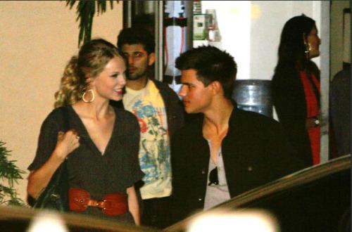 Taylor Swift and Taylor Lautner. Tumblr_l72qlg4QoS1qb86xno1_500