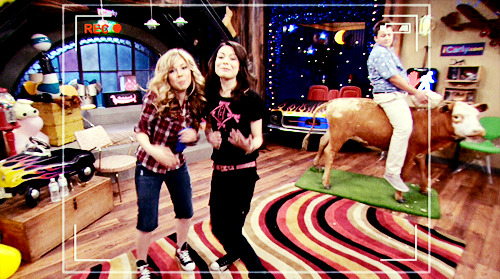 iCarly [serial]. - Page 39 Tumblr_ljfnwr30ZB1qg64bjo1_500