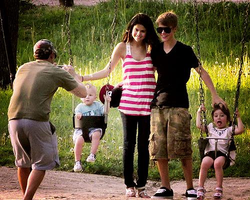 Justin Bieber and Selena Gomez Tumblr_lma3rrOy8r1qd7lz6o1_500