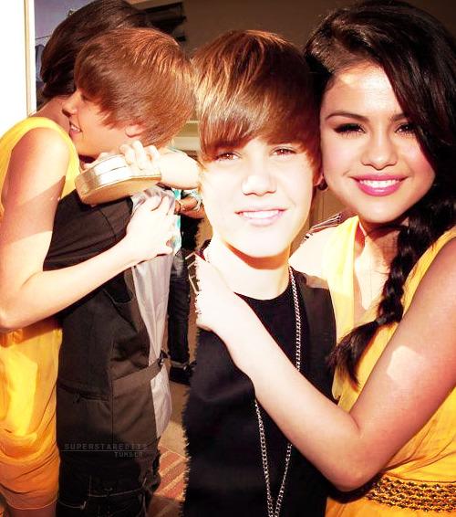 Justin Bieber and Selena Gomez Tumblr_lmmwwnkSw51qd7lz6o1_500