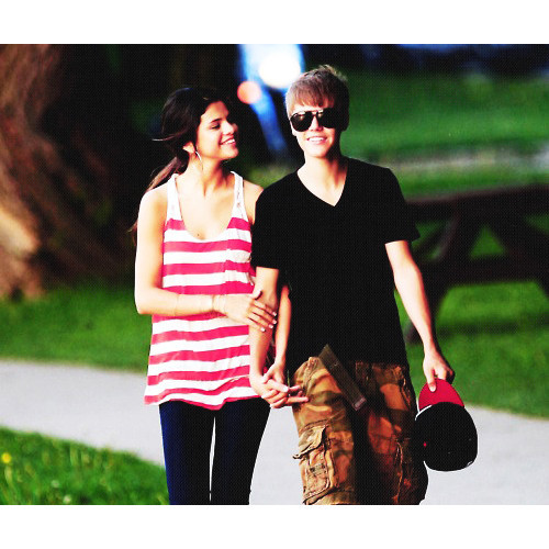 Justin Bieber and Selena Gomez Tumblr_lmt6fbL4HL1qlpxjno1_500