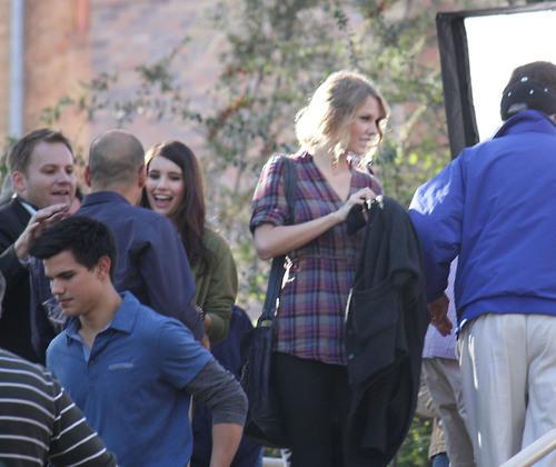 Taylor Swift and Taylor Lautner. Tumblr_lnx2sbntKn1qmvomgo1_500