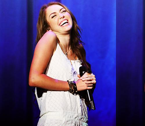 Miley Cyrus [2] - Page 5 Tumblr_lqsmsjQPYX1r06646o1_500