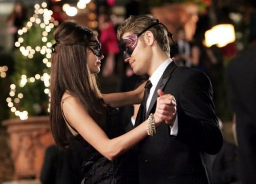 Paul Wesley and Nina Dobrev - Page 4 Tumblr_lr5tvv9WGG1qf8ayuo1_500