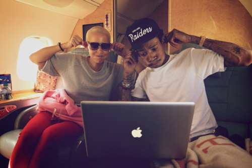 Wiz Khalifa and Amber Rose. Tumblr_lse84ijRiT1qczusoo1_500