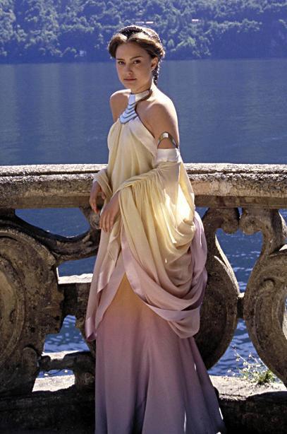 Les plus belles robes vues à l'écran - Page 2 Tumblr_ltfkrevhkr1qgw9gso1_500